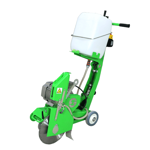 The light and compact electric floor saw FS-350 ECO-E400 has sturdy wheels for pushing and a sophisticated application on the construction site.