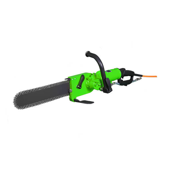 Green and handy chainsaw DRS-KS400 with DRS-TS400 motor and can be operated and supplemented via the PowerBox DRS-FU6C or DRS-FU6D for multiple uses.