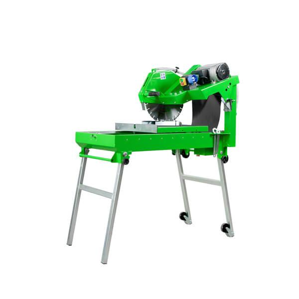The BS-400 LST-E230 is a powerful table saw and cuts with cutting discs 400 mm, whereby the rollers ensure easy transport and a safe working condition.