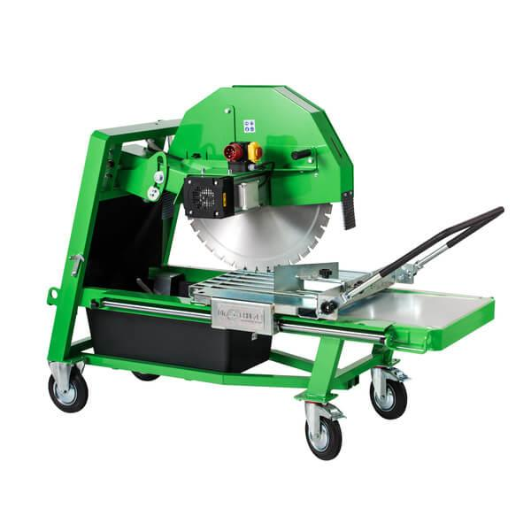 The BS-750 is a powerful block saw for cutting discs with a diameter of 750 mm. The saw head is raised by means of a gas pressure spring for precise cutting.