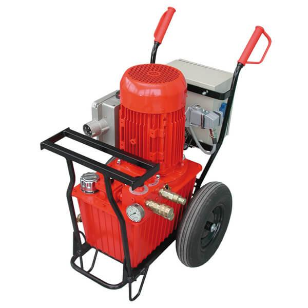 Red hydraulic unit A15-R for driving wall and wire saws with stepless pressure adjustment up to max. 240 bar and adjustable in six steps for easy transport.