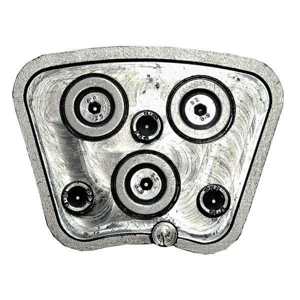 Der silberne DRS-LOCK-Adapter eignet sich für fast alle Schleifmaschinen als Verbindungsaufsatz durch sein eindrucksvolles und innovatives Befestigungssystem.