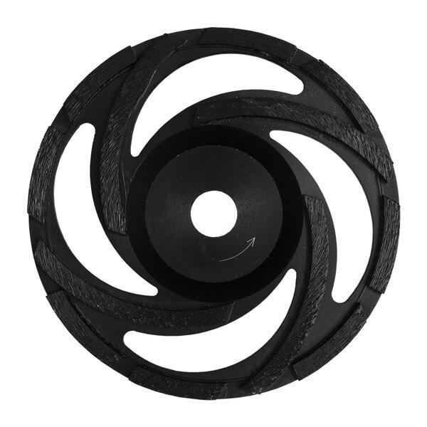 Der schwarze Diamantschleifteller ST-Rotor ist für die problemlose Arbeit mit verschiedenen Steinarten, wie Beton oder Naturstein, geeignet.