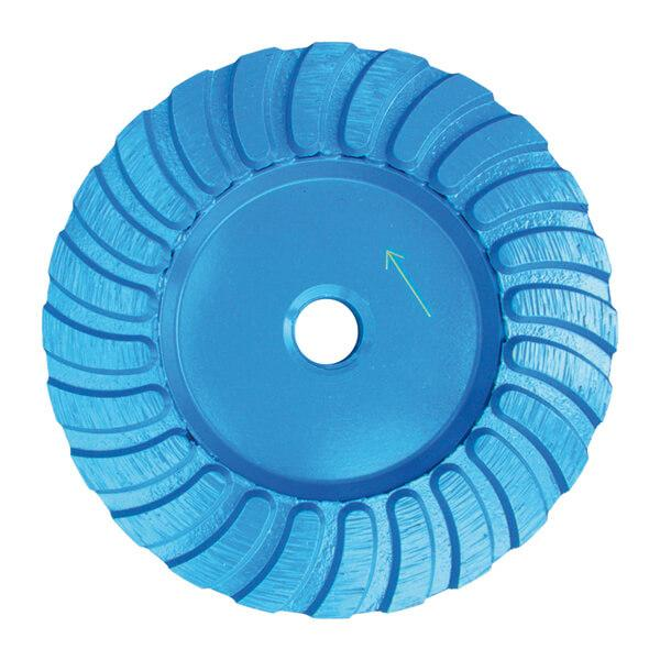 Blauer und runder STT-M Schleifteller Turbo garantiert effektives Arbeiten mit Mittelschliff bei Naturstein und Beton Böden. Erhältlich in vielen Durchmessern.