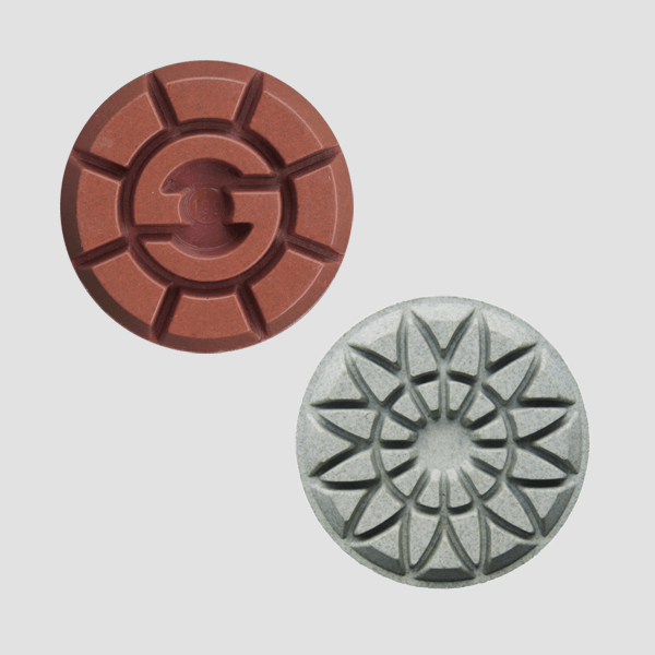 Polishing pads with resin bond
