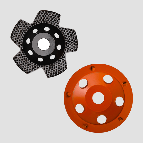 For the preview of the many diamond grinding discs, two representatives can be seen, a black-gray and an orange diamond grinding disc from Dr. Schulze.